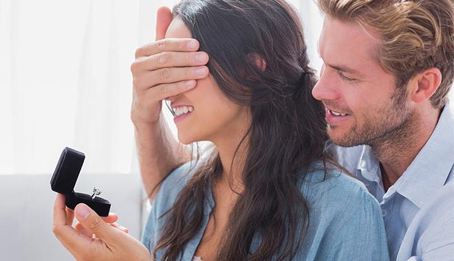 男人抓住女人的这6种心理 就等同于是抓住她的心了