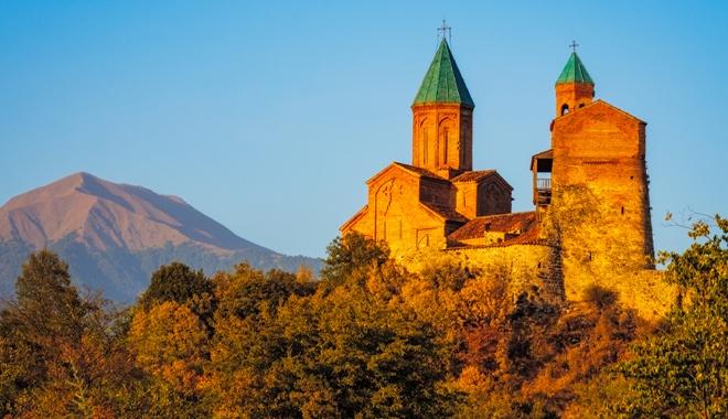 全球首个恢复旅游的国家来了 景色能媲美瑞士