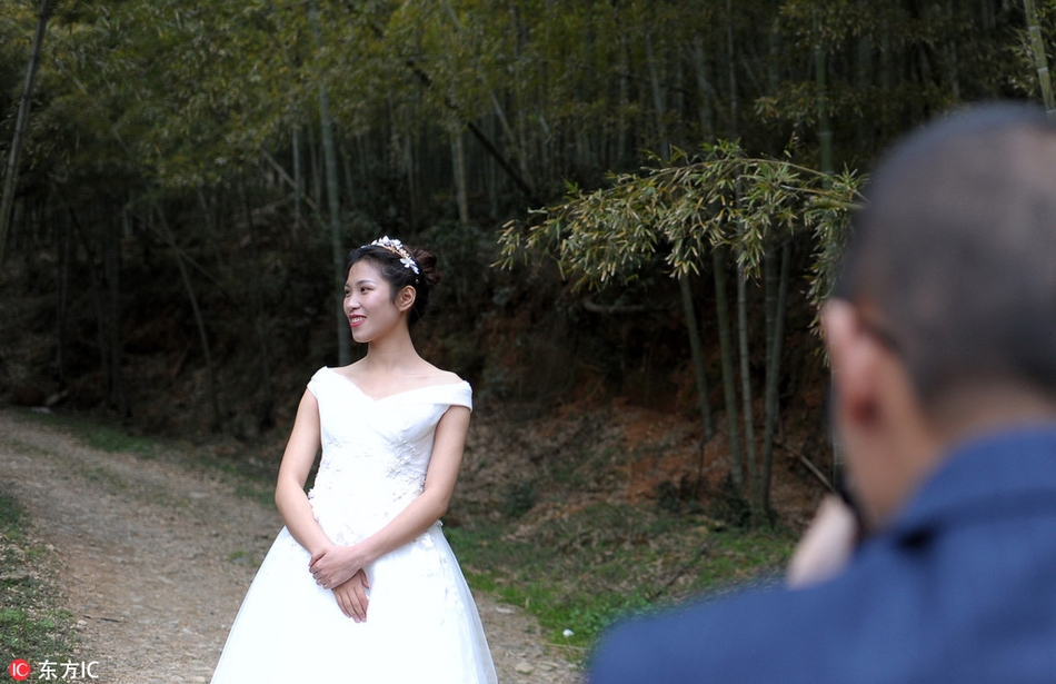 拍婚纱照妆发_拍婚纱照妆面造型图片
