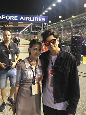 周杰伦陪妻看F1大赛