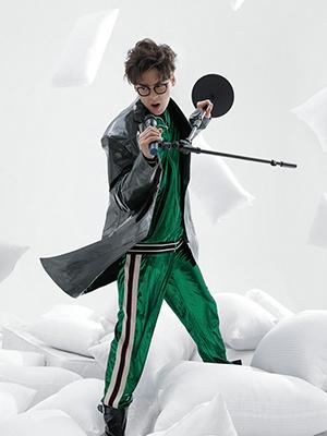 李易峰登开年封 变身魔法王子
