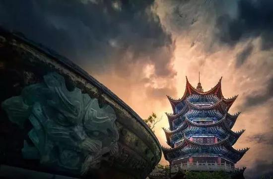 《彝塔风云》 摄于云南楚雄