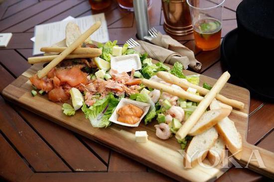 海鲜和炸薯条 图片来自Royal Ascot官网