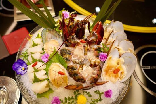 葡京官方网站:吃遍一家澳门酒店 是怎样的体验?
