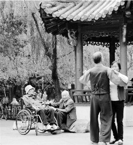 """88岁老人的爱情:""""这辈子我最欢喜的就是她了"""""""