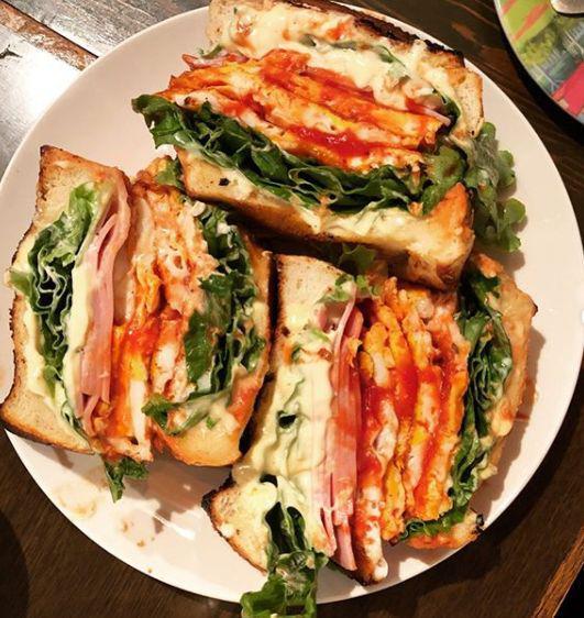 日本大阪神奇咖啡店 出售有史以来最大三明治