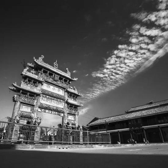 《牌坊古韵》组照之一 摄于山东单县