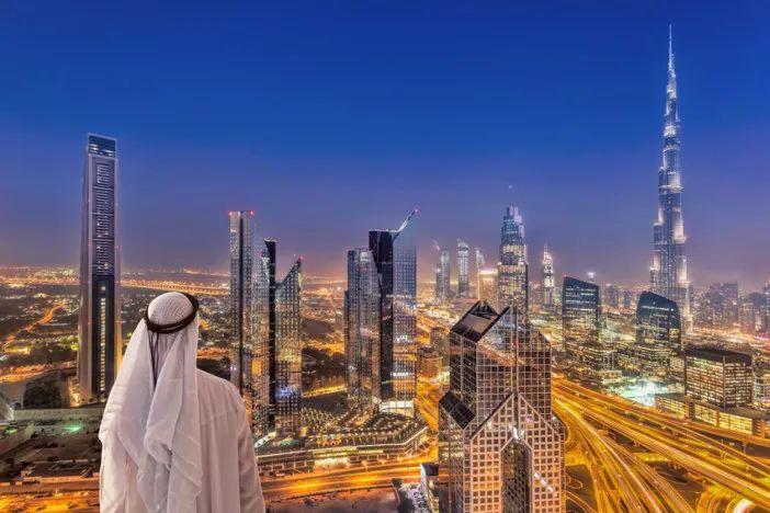 """迪拜""""烧掉800亿""""造了座烂尾岛 奇葩建筑惊呆网友"""