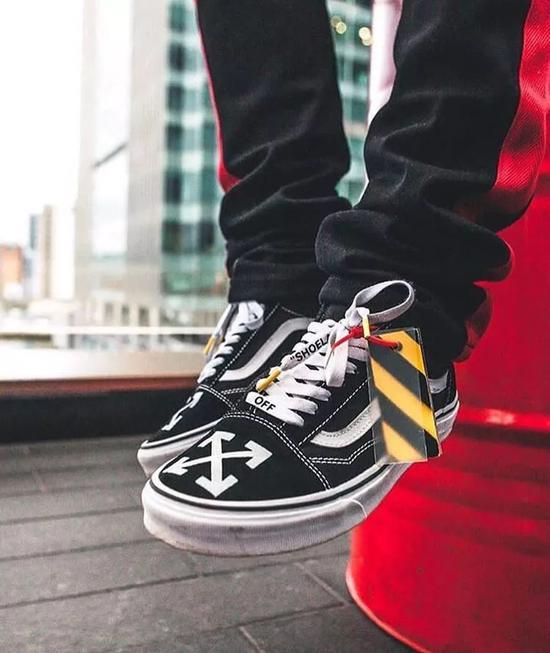 网友自己发明联名球鞋