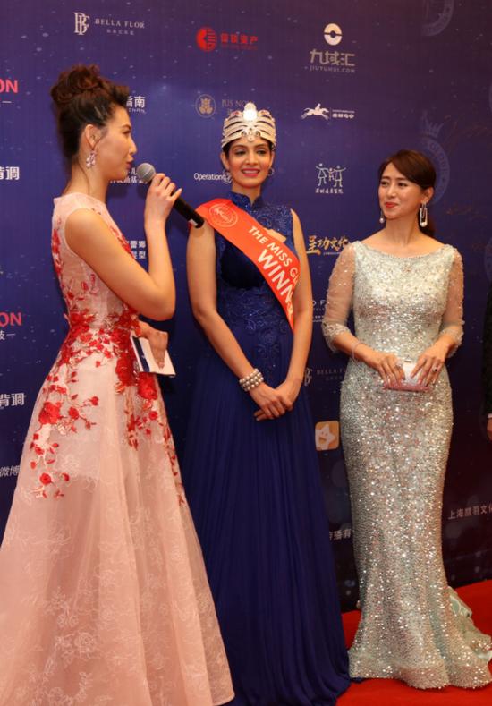 采访香港影星翁虹和2016环球国际小姐世界冠军印度小姐Dimple Patel