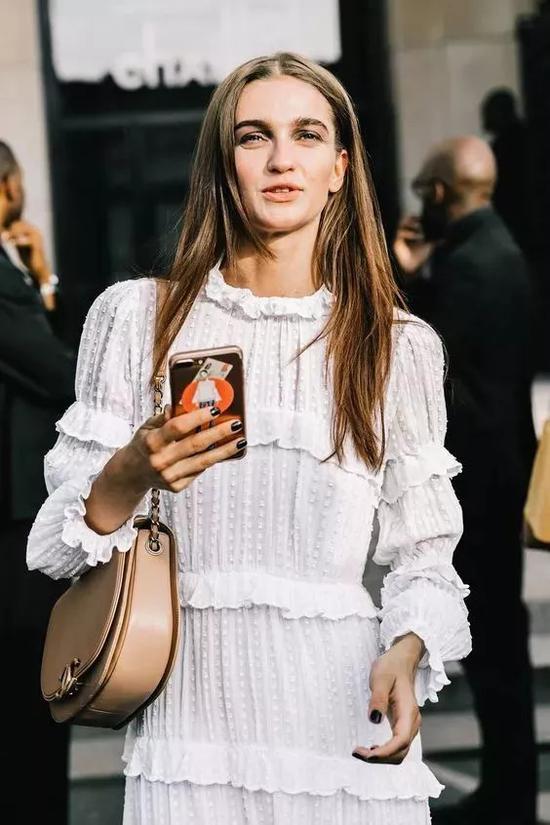 可是长袖连衣裙这么多?哪些款式更值得入手呢?