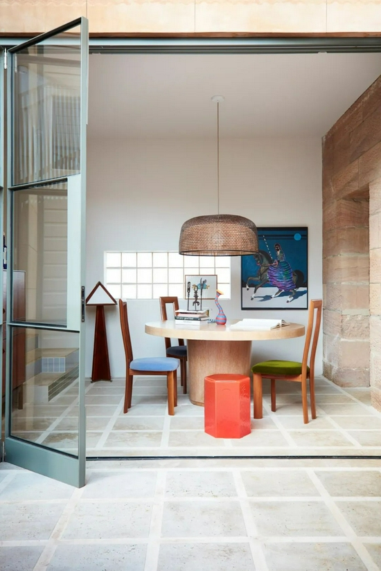 住进19世纪末的历史建筑 每一件家具都像展品