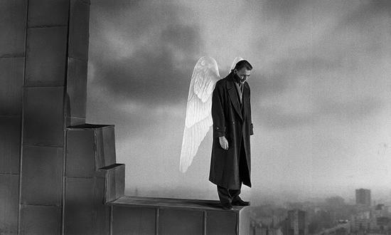 文德斯代表作《柏林苍穹下》剧照。文德斯基金会供图