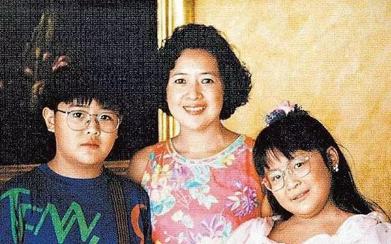 ▲寶詠琴與大劉育有一兒一女。
