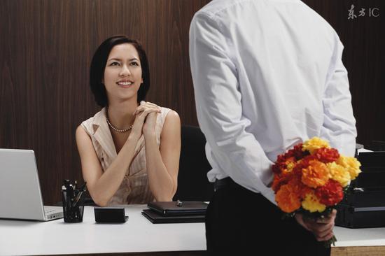 遇到喜欢的女生该如何追求呢?
