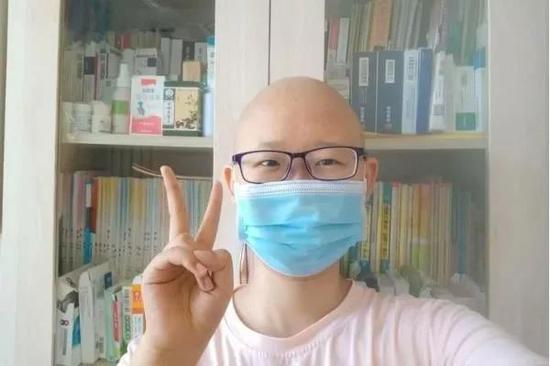 ▲坚持抗癌的李明馨
