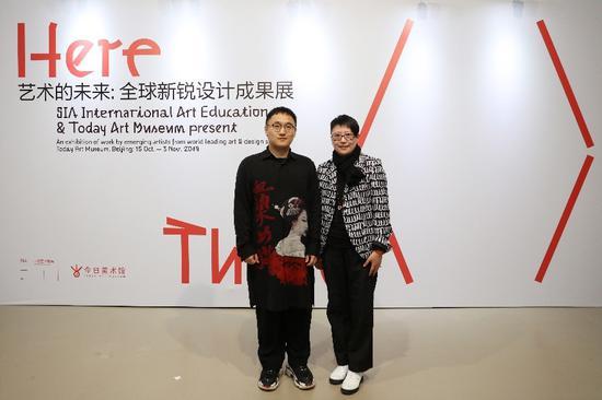 左:SIA国际艺术教育创始人兼CEO刘子阳 右:今日美术馆执行馆长李芊润