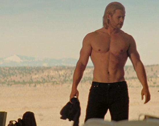 """快把雷神的胸肌還回來!""""錘哥""""克里斯暴瘦面目全非"""