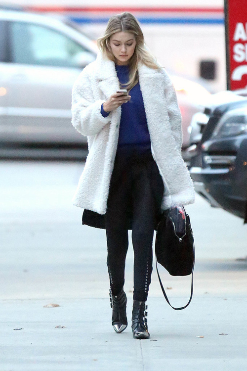 紫色毛衣温暖搭
