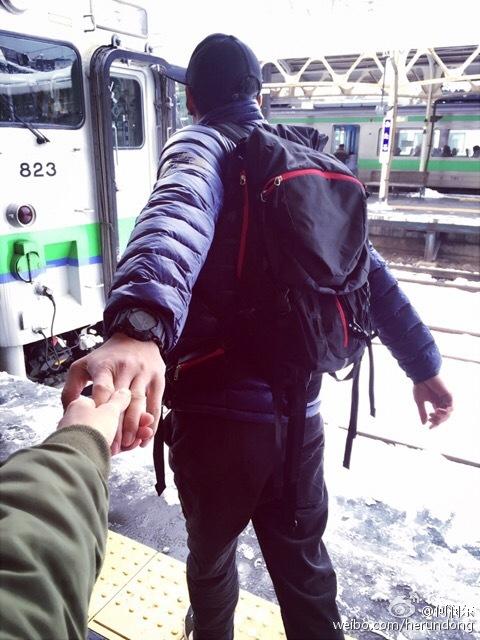 何潤東公開戀情女友身份成迷:總之不是網紅