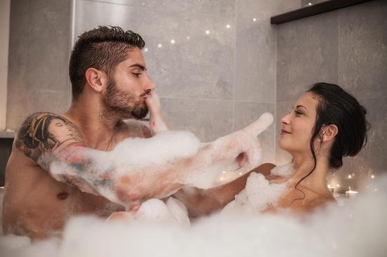 男人最想知道:為什麼女人洗澡時間特別長?