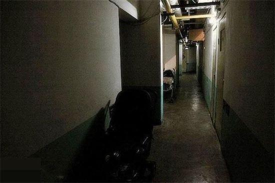 北上廣蟻族實錄 地下室的男女生活令人咋舌