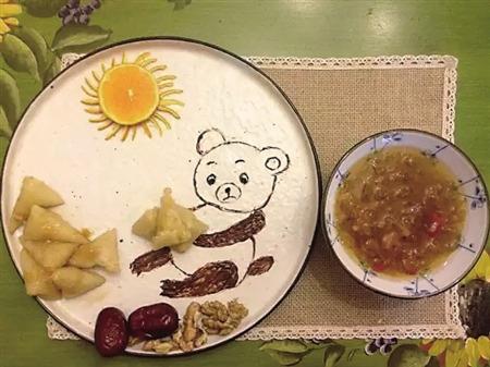 """媽媽為女兒每天做不重樣""""童話早餐"""""""