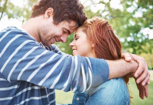 真诚的微笑会减轻男人疲劳感,情绪更加平稳.图片