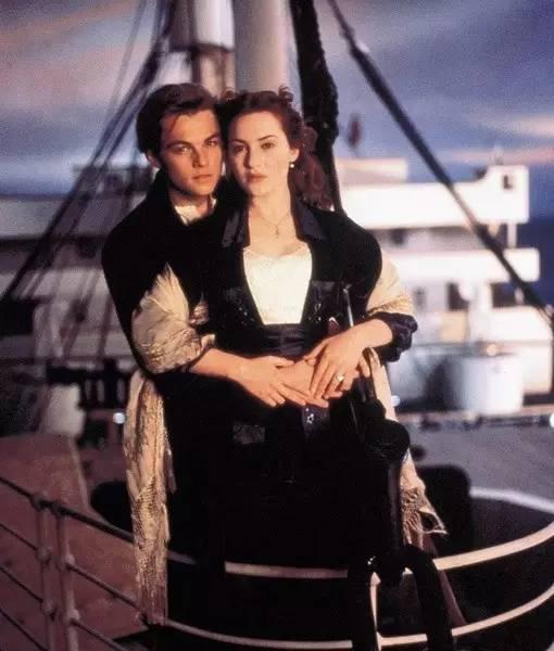 泰坦尼克號上露西與傑克這種