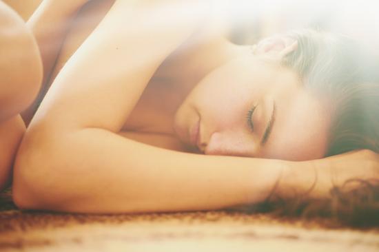睡觉姿势能透露出一个人的命运