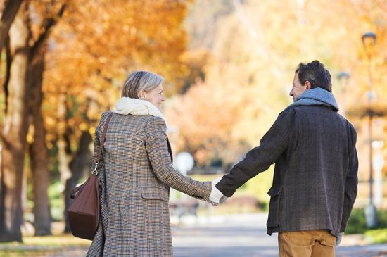 爱是奋不顾身,爱是分秒必争,爱是片刻不等。