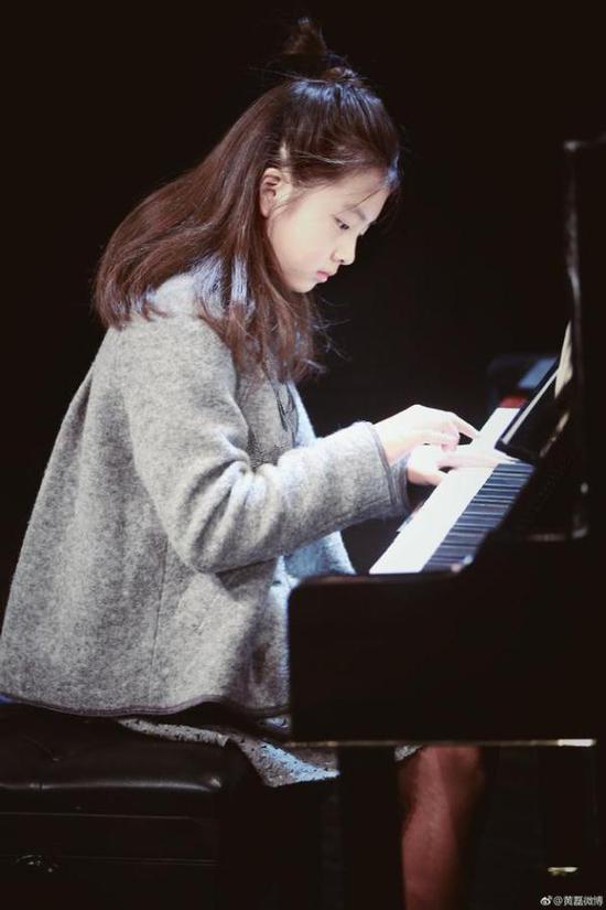 侧脸于果钢琴简谱