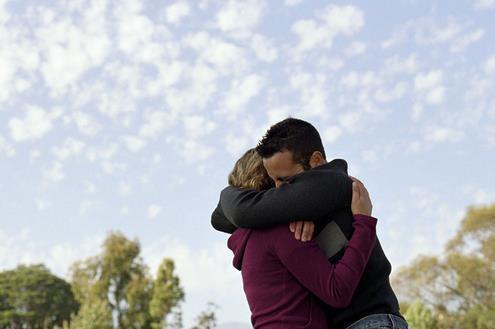 让女人更加爱你的六种行为,男人都需要知道