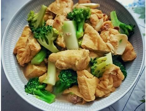 西兰花油豆腐