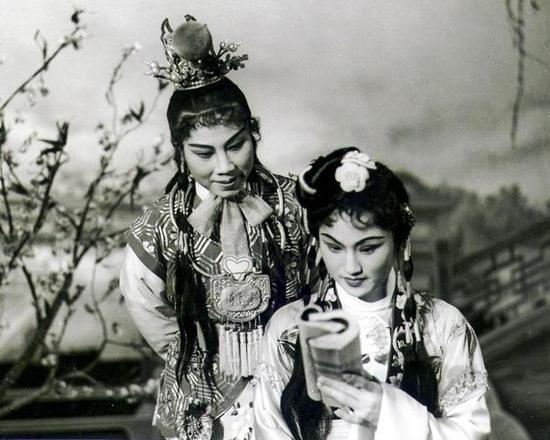 《红楼梦》徐玉兰饰贾宝玉, 王文娟饰林黛玉(1958年)