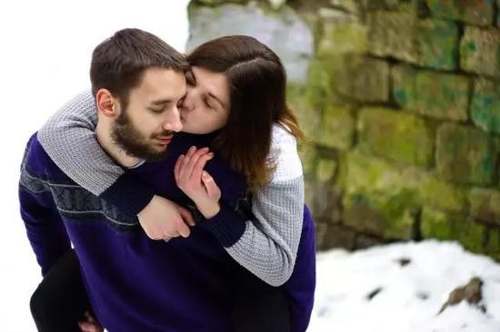 婚前女人定要认清男人的这三点,以防被渣男欺骗感情