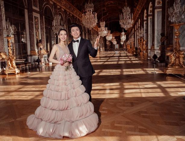 凡是尔赛宫中的婚纱照