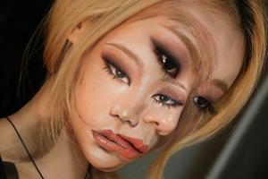 这个韩国女孩练的不是化妆术 而是隐身术吧