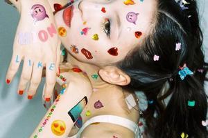 宣美的童趣妆告诉我们 大小孩能减龄就行