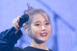 """模仿IU""""仙紫发""""劝你慎重 别信她们祖传""""掉不完的头发"""""""