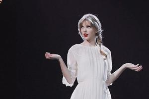 别管是Taylor Swift还是杨超越 肤色暗沉这个问题必须改