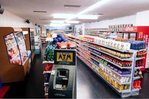 """一个人""""缝出""""一间超市?这是什么神仙操作"""