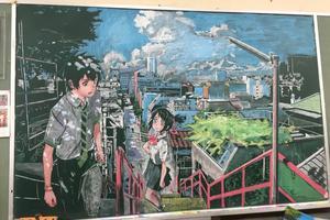 他粉笔徒手画出《清明上河图》 隐藏的黑板画高手