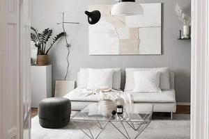 一墙架子搞收纳 她家的单色系搭配好用又好住