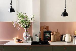 她莫兰迪配色的家满满生活气息 仿佛小型收藏馆