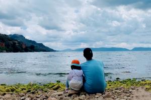90后单亲爸爸带女儿骑行西藏 这样的童年太治愈了