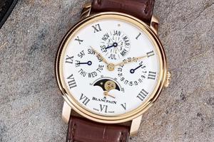 那些戴手表的男人除了看时间 还会看什么?