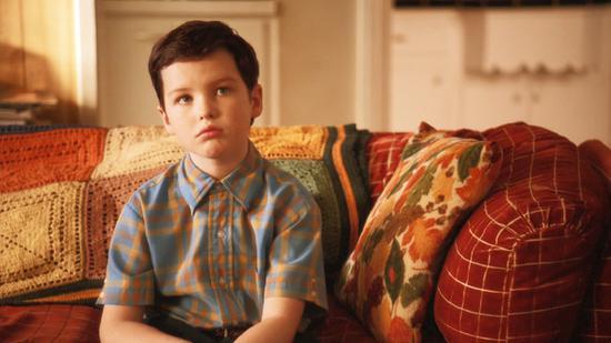 衍生剧《小谢尔顿》,带你领略谢尔顿小时候的聪慧幽默。