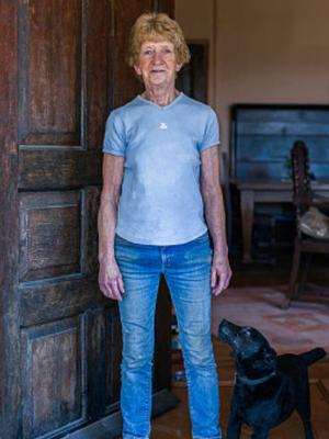 英摄影师为女性农民办女权摄影展