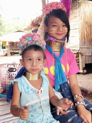 探秘泰国长颈族女性